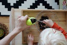 Ein Löffel, riesige Bohnen und ein Tennisball