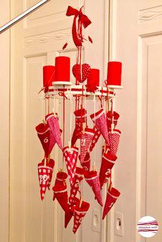 """*""""CLASSIC CHRISTMAS""""     AdventsKranzKalender""""*      Weihnachtslegende    Christkind kam in den Winterwald,   der Schnee war weiß, der Schnee war kalt"""
