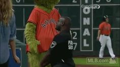 WATCH: Houston Astros Mascot Challenges Wrong Security Guard to a Dance Off | FatManWriting