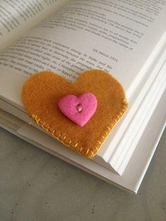 Heart Felt Bookmark by PosiesandStitches on Etsy Felt Bookmark, Diy Gifts, Handmade Gifts, Felt Hearts, Bookmarks, Arts And Crafts, Sewing, Etsy, Felting