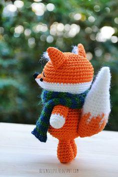 Jean the fox - amigurumi with tapestry crochet - besenseless.blogspot.com