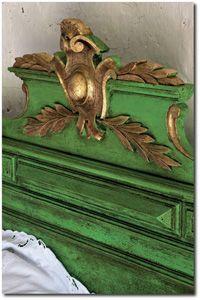 Love this rich headboard by Annie Sloan. Color Recipes for Painted Furniture- Annie Sloan Annie Sloan Painted Furniture, Chalk Paint Furniture, Annie Sloan Chalk Paint, Green Painted Furniture, Furniture Cleaning, Antibes Green, Green Headboard, Gold Headboard, Painted Furniture