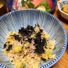 具はシンプルだけど、ちょっと味の付いたご飯が欲しい時に。 - 10件のもぐもぐ - 揚げ玉とネギの混ぜご飯 by lottarosie