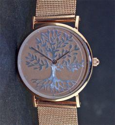 Modische Damen Uhr mit Lebensbaum in Silber