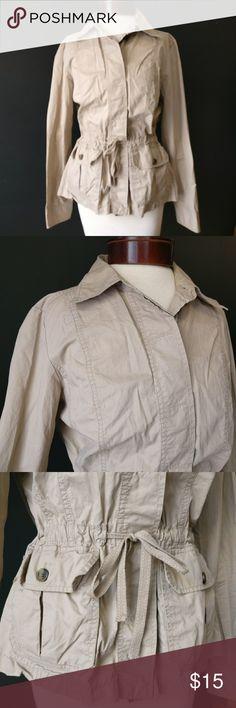 Liz Claiborne Khaki Cotton Jacket w Waist Tie Liz Claiborne Khaki Cotton Jacket w Waist Tie  Super cute utility jacket! 100% cotton Perfect for spring layering!  Gently used Size M Liz Claiborne Jackets & Coats