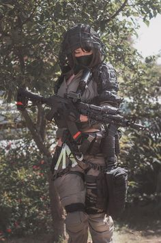 Female Armor, Female Soldier, Cute Cosplay, Cosplay Girls, Rainbow Six Siege Anime, Female Mma Fighters, Military Archives, Badass Aesthetic, Warrior Girl