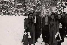 princesse Faiza, Hussein Sabry pacha, Queen Nazli, princess Fawzia , Safinaz Zulficar, QUeen Farida. St Moritz 1937s  www.egyptianroyalty.net