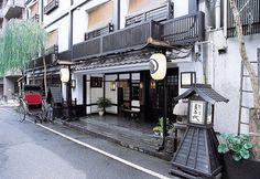 Stay at a ryokan to experience the interior of a traditional Japanese house. This image is the Sukeroku-no-Yado Sadachiyoin Asakusa, Tokyo.