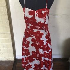 Beautiful red floral & white summer dress!! It's a beautiful summer dress!! It has spaghetti straps & zips on the side!!! Donna Morgan Dresses Midi