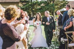 Beautiful Outdoor Wedding | Anita Martin Photography | Bridal Musings Wedding Blog 31