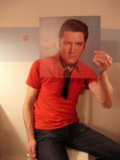 """Got some spare time? Break out that vinyl and have some fun """"SLEEVEFACING"""" which is the art of using your body with a record sleeve to cause an illusion."""