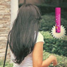 O Spray de Brilho Gloss foi desenvolvido para facilitar a aplicação da chapinha e intensificar o seu resultado. Sua exclusiva fórmula enriquecida com o exclusivo FILM GLOSS permite que a escova e a chapinha deslizem mais facilmente pelos fios e que o resultado extra liso seja alcançado instantaneamente, em poucos minutos, com proteção térmica! Além do cheirinho maravilhoso você consegue manter os fios lindos pelo resto do dia! A dica é ter sempre a versão menor na bolsa, assim você pode…