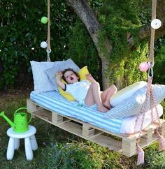 diy swinging chair   ... Swings – Chair, Bed and Bench Seating Plans   Pallet Furniture DIY