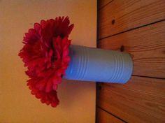 Vars with fake flowers ❤