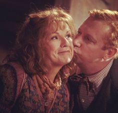 Harry Potter & The Chamber Of Secrets Harry James Potter, Harry Truman, Harry Potter Icons, Harry Potter Aesthetic, Harry Potter Cast, Harry Potter Characters, Julie Walters, Welcome To Hogwarts, Weasley Twins