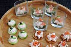 roomkaas zalm Tapas, Sushi, Ethnic Recipes, Food, Meal, Essen, Hoods, Meals, Eten