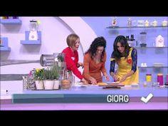 """Detto Fatto - I panzerotti """"sorrisini"""" di Giorgia Di Sabatino 15/01/2014 - YouTube"""