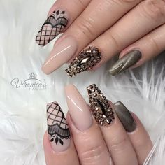 40.6k Followers, 1,077 Following, 3,751 Posts - See Instagram photos and videos from Veronica Vargas (@nails_by_verovargas)
