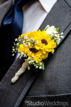 Sunflower Boutonniere #eStudioweddings