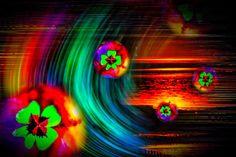 'Time Tunnel - Glück' von Walter Zettl bei artflakes.com als Poster oder Kunstdruck $20.91