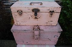 darling pink toolbox. I'm thinking I would do one in turquoise or eggshell blue maybe...