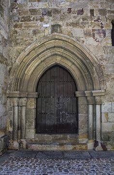 Portada norte de la Iglesia de Santa Maria la Nueva de Zamora - Front north of the church of Santa Maria la Nueva de Zamora S. Xll