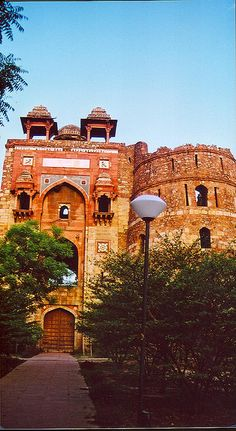 Old Fort, Delhi, INDIA. (by headlines india Culture, via Flickr)