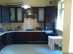 Apartment rentals 6 200 uah per month - view photos, description, location on map, map with street view. 3 bedroom apartment for rent 84 sq. m: Romashkova-vul, Ukraine, Lviv, Sikhivskiy district. Apartment ID 838627.