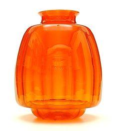 Oranje glazen vaas met verticaal optiek ontwerp A.D.Copier 1928 uitvoering Glasfabriek Leerdam