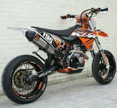 Ktm Dirt Bikes, Ktm Motorcycles, Motocross Bikes, Chopper Motorcycle, Motorcycle Clubs, Motorcycle Outfit, 24 Bike, Ktm Exc, Stunt Bike