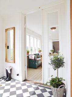 Art Symphony: Rustic Retreat in Sweden Interior Styling, Interior Decorating, Interior Design, Decorating Ideas, Room Inspiration, Interior Inspiration, Hall Colour, Hallway Flooring, Room Tiles