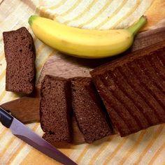 A něco sladkého pro děti (já si dala jen sousto, jestli je to fakt tak dobrý, jak to vypadá a voní - a je 😊) - čokoládový banánový chleba z arašídového másla podle Jany Dell-Plotnárkové ... jo a doporučuju i její GAPS perník, ten se jaksi focení nedočkal, putoval na skautskou výpravu / Chocolate banana peanut butter bread No Bake Desserts, Tacos, Fruit, Food, Essen, Meals, Yemek, Eten