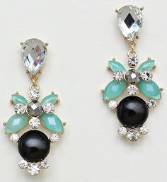 Amberly Earrings in Chic Mint