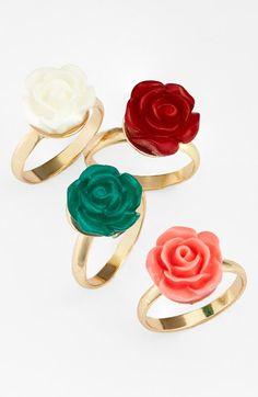 Cute flower midi rings http://rstyle.me/n/hkquvnyg6