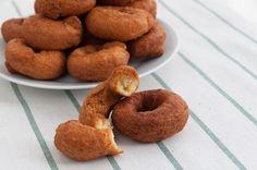 A disfrutar de unas #rosquillas caseras de nata deliciosas para un momento especial o para este finde http://www.recetasderechupete.com/rosquillas-caseras-de-nata/15519/