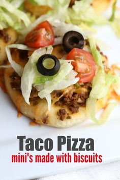 Mini Taco Pizza Recipe – Your Modern Family Source by BeckyMans Taco Pizza Recipes, Beef Recipes, Mexican Food Recipes, Cooking Recipes, Ethnic Recipes, Hamburger Recipes, Drink Recipes, Recipies, Mini Tacos