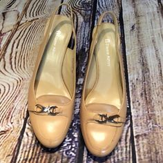 "SZ 8 ETIENNE AIGNER TAN LEATHER SLINGBACK PUMPS Gorgeous gently used classy SLINGBACK pumps with a 2.5"" heel. Etienne Aigner Shoes Heels"