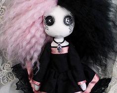 Button-eyed, Gothic, cloth art doll (medium) - Hana Mai