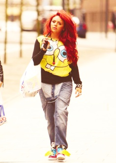 Jesy Nelson.. isn't wearing quite as much makeup as she usually does and still gorgeous :)