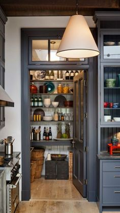 Kitchen Designs with Corner Pantry . Kitchen Designs with Corner Pantry . An Italian Style Ikea Kitchen for A Hostess with the Most Modern Kitchen Design, Interior Design Kitchen, Modern Interior, Interior Ideas, Pantry Interior, Modern Design, Rustic Design, Modern Townhouse Interior, Cosy Interior