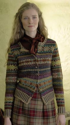 Knitted in Felted Tweed and designed by Marie Wallin knit the Orkney. Fair Isle Knitting Patterns, Fair Isle Pattern, Estilo Fashion, Fashion Moda, Laine Rowan, Rowan Knitting, Sock Knitting, Knitting Machine, Vintage Knitting