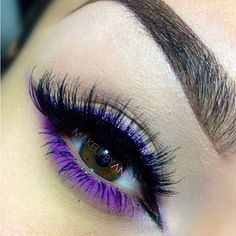 Swooning over this! @makeupbyanna created her own shimmery purple eyeliner by applying #Sugarpill Hysteric loose eyeshadow wet. The amazing purple on the lower lid is #AnastasiaBeverlyHills, and the look is pulled together perfectly with @doseofcolors false eyelashes