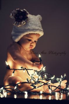 Christmas Baby and Lights Baby Christmas Photos, Holiday Pictures, Babies First Christmas, 1st Christmas, Christmas Lights, Christmas Decor, Xmas Pics, Christmas Cards, Christmas Baubles
