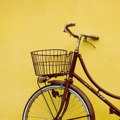 Nothing says Summer like a bright yellow💛 accent wall in your home! What do you think? Yellow Accent Walls, Yellow Accents, Bright Yellow, Italy Vacation, Dream Vacations, Beautiful Pictures, Bicycle, Nyc, New York