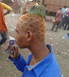 Funny pictures about SpongeBob Haircut. Oh, and cool pics about SpongeBob Haircut. Also, SpongeBob Haircut photos. Weird Haircuts, Horrible Haircuts, Guy Haircuts, Short Haircuts, Short Hairstyles, Ghetto Red Hot, Pineapple Under The Sea, Pineapple Pen, Funny Memes
