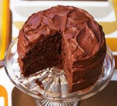 Need a guaranteed crowd-pleasing cake that's easy to make? This super squidgy chocolate fudge cake with smooth icing is an instant baking win Easy Baking Recipes, Bbc Good Food Recipes, Easy Cake Recipes, Yummy Recipes, Recipes Dinner, Dessert Recipes, Easy Chocolate Fudge Cake, Chocolate Recipes, Recipes