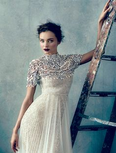 Soo good with a Jennifer Behr Primrose Bobbypin::Miranda Kerr For Marchesa :: wedding dress :: bridal :: bride :: inspiration :: detail :: embroidery :: overlay :: crystal :: ivory :: lace :: Miranda Kerr, Modest Wedding Dresses, Wedding Gowns, Party Dresses, Bridal Gowns, Festa Party, Glamour, Carrie Bradshaw, Costume