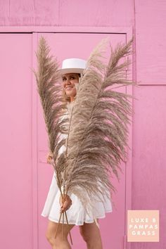 Luxe B Pampas Grass is currently the leading online marketplace for Pampas Grass.We carry a large variety of Pampas types in natural colour, bleach white, pink and other mesmerizing colors. Perfect for your home decor, any event especially boho wedding decor. Currently we ship anywhere in the US and Canada. @luxebpampasgrasswww.luxebpampasgrass.com#pampasgrass #driedpampas #luxebpampasgrass #driedpampasgrass #driedflowers #bohowedding Boho Wedding Decorations, Pampas Grass, Natural Brown, Live Plants, Wedding Flowers, Wedding Arches, Accent Pieces, Dried Flowers, Online Marketplace