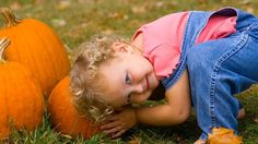 For the best pumpkin picking NYC has to offer, bring little ones to these beautiful pumpkin patches and track down the perfect jack-o'-lantern Halloween Nyc, Halloween Party Games, Halloween Activities, Activities For Kids, Halloween Ideas, Best Pumpkin Patches, Sand Pictures, Nyc Holidays, Fall Family Pictures