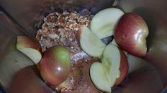 10SecondAppleCinnamonSlice-P02 Cream Cheese Biscuits, Apple Cinnamon, Cheese Ball, Apple Slices, Afternoon Tea, Dessert Recipes, Desserts, Sweet Recipes, Twins
